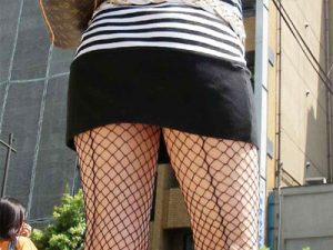 【網タイツ素人エロ画像】むっちり太ももに跡が付く網タイツを履いた素人ギャルたちを街撮り盗撮した画像ww