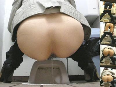 【トイレ盗撮エロ画像】公衆便所の和式に跨ってオシッコする素人女性を隠しカメラで撮影したエロ画像ww
