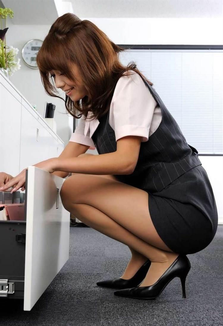 OL_タイトスカート_働く女01
