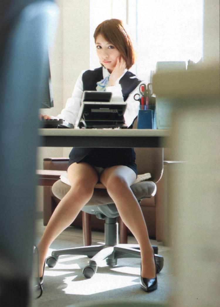 OL_タイトスカート_働く女05