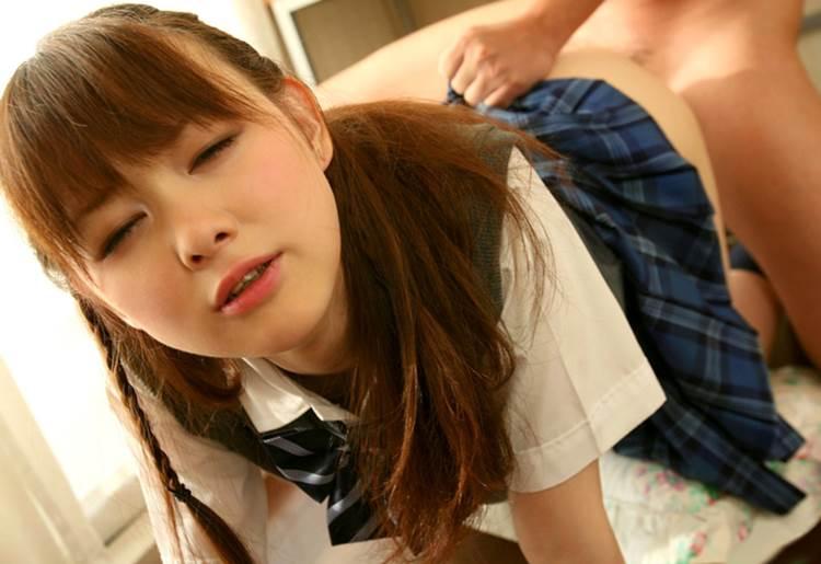 JK_着衣セックス_エロ画像18