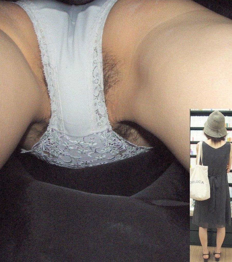 逆さ撮り 接写 顔出し ハミ毛 【逆さ撮り盗撮エロ画像】マン毛が剛毛過ぎてパンツのクロッチ部分からハミ毛する素人の下着を接写撮りした画像ww
