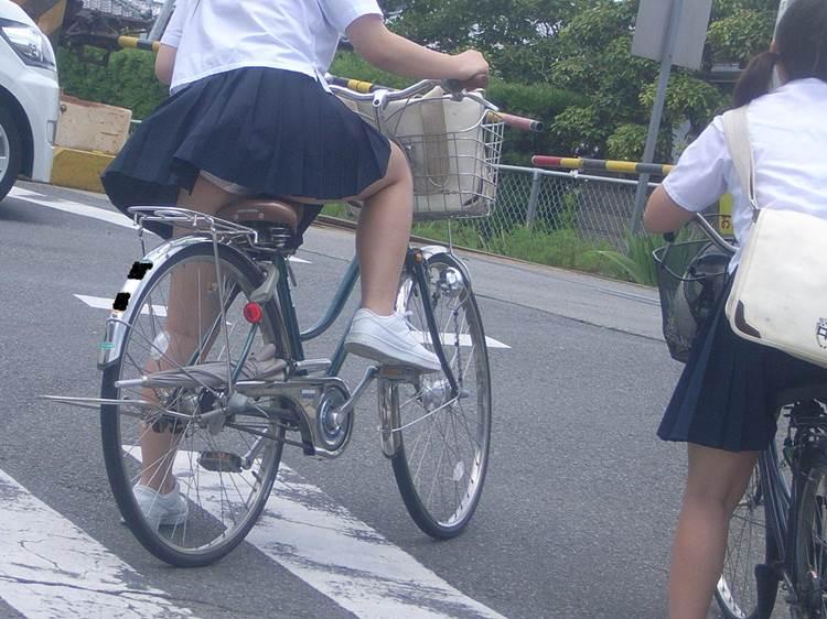JK_チャリチラ_自転車パンチラ06