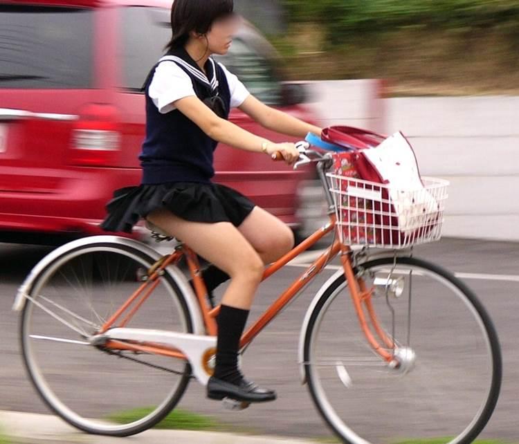 JK_チャリチラ_自転車パンチラ07