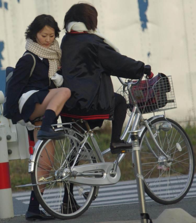 JK_チャリチラ_自転車パンチラ09