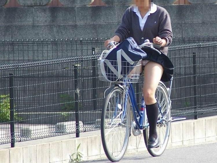 JK_チャリチラ_自転車パンチラ19