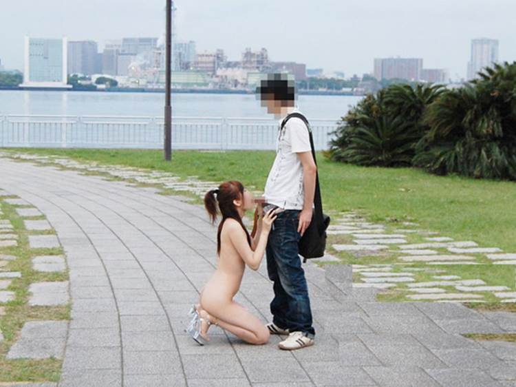野外フェラチオ_青姦_エロ画像14