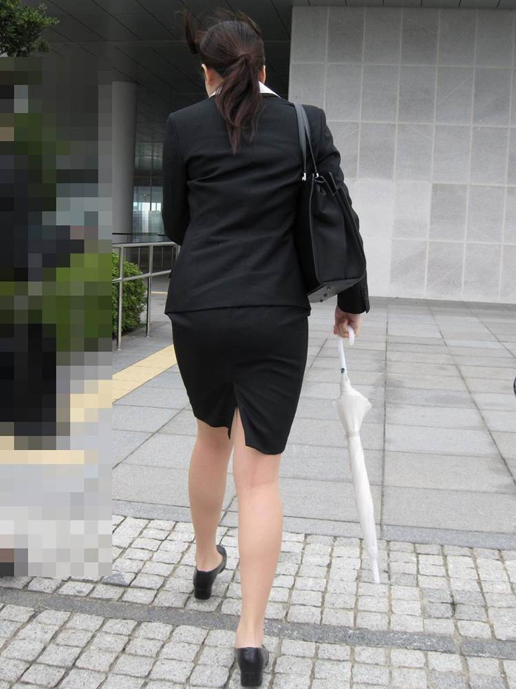 リクルートスーツ_女子大生_街撮り盗撮画像08