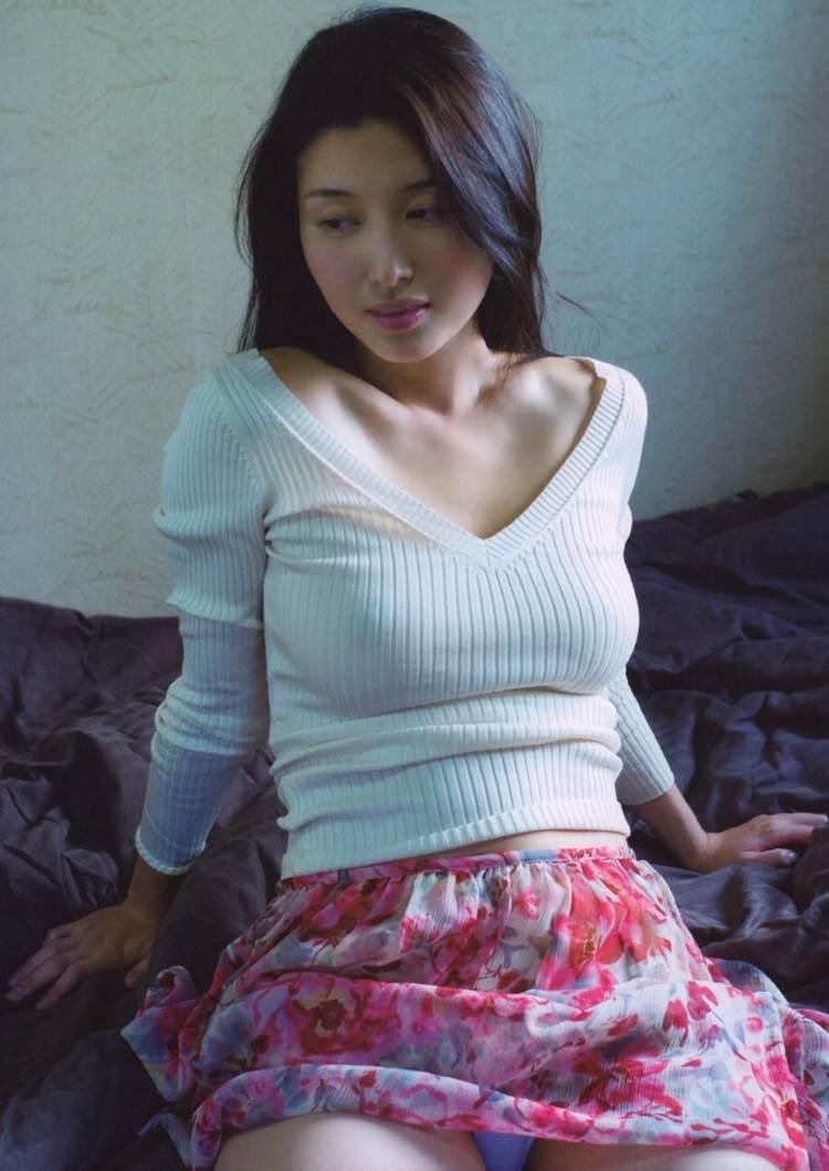 橋本マナミ_着衣巨乳_エロ画像05