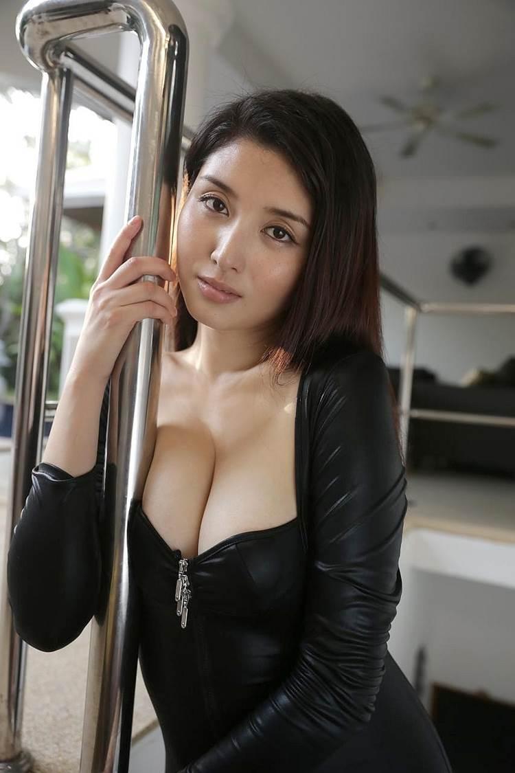 橋本マナミ_着衣巨乳_エロ画像09