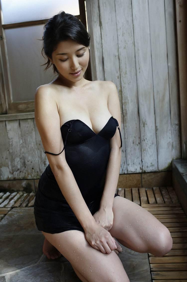 橋本マナミ_着衣巨乳_エロ画像20