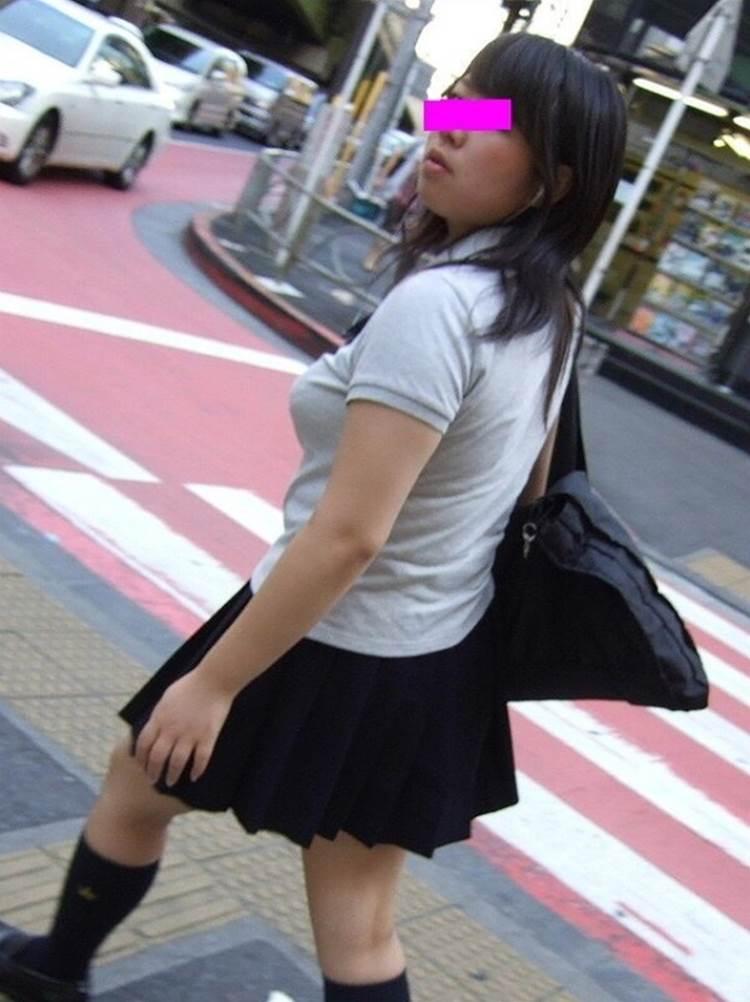 女子高生_着衣巨乳_制服街撮り画像10