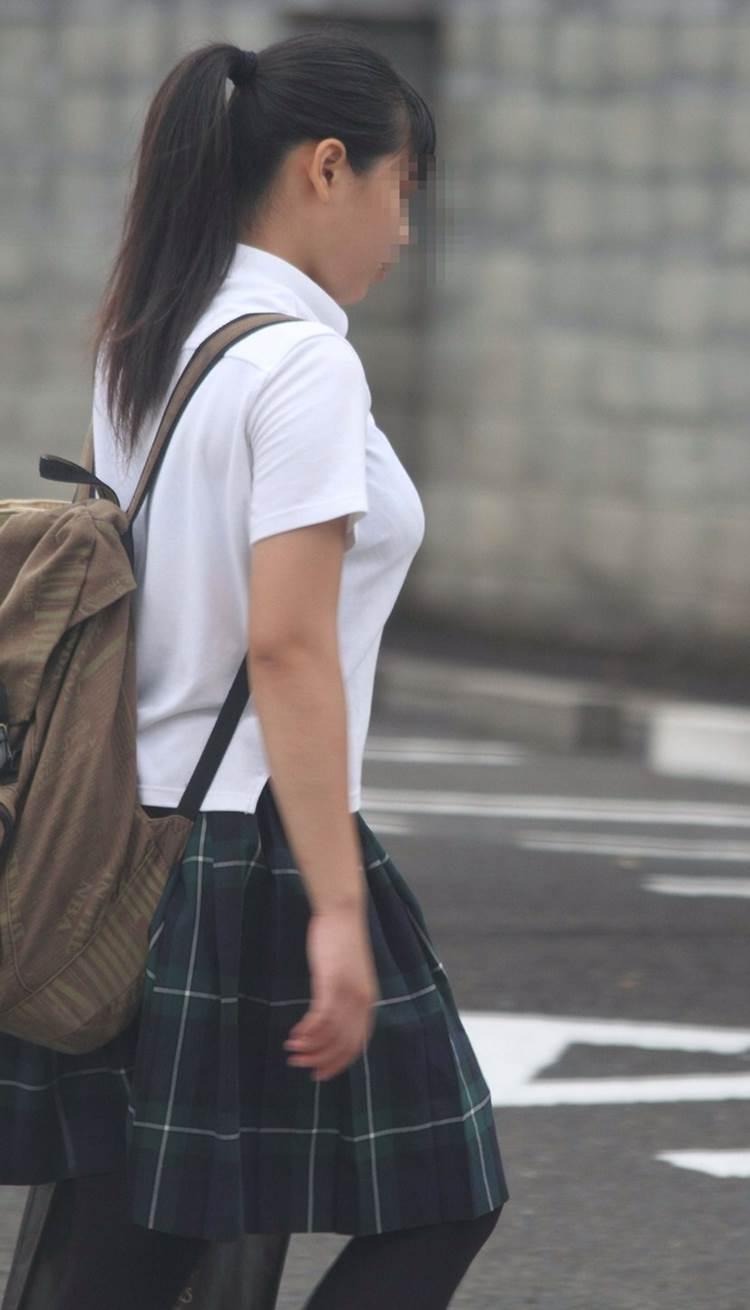 女子高生_着衣巨乳_制服街撮り画像19