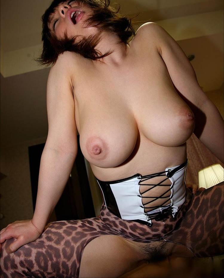 着衣セックス_巨乳_エロ画像14