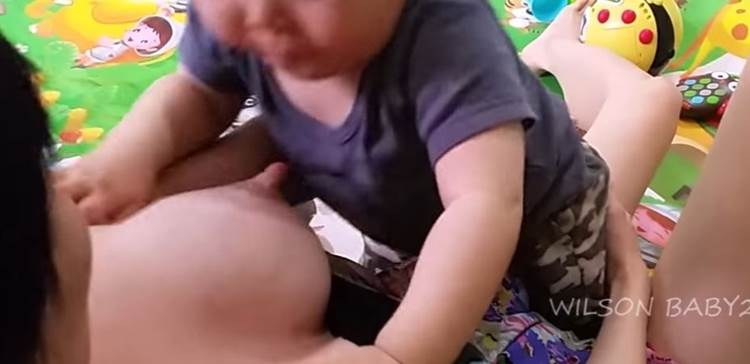 授乳_YouTube_素人動画画像01