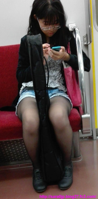 素人_メガネ_街撮り盗撮10