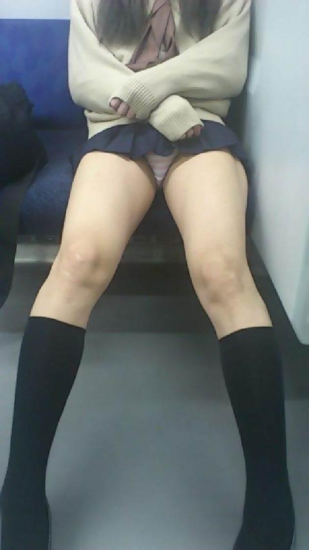JK_電車_パンチラ_盗撮画像02