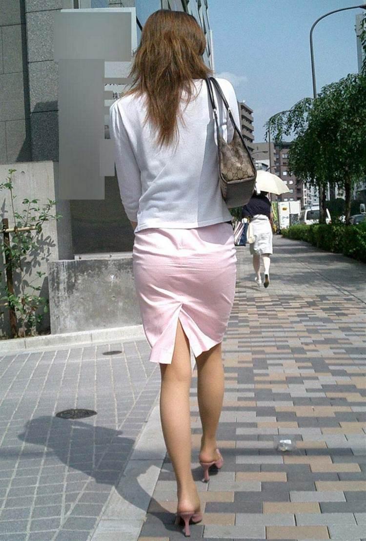 カラータイトスカート_素人_パンティライン14