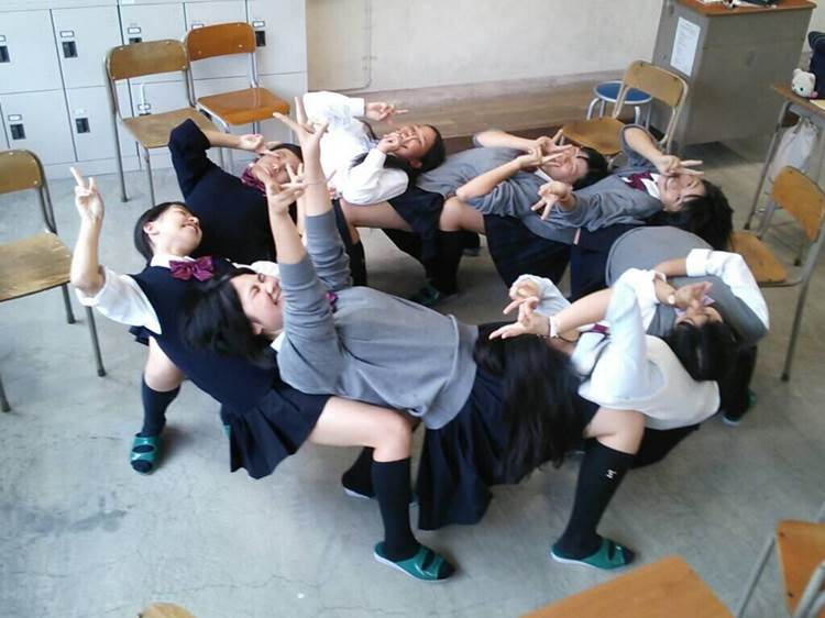 JK_悪ふざけ_エロ画像14