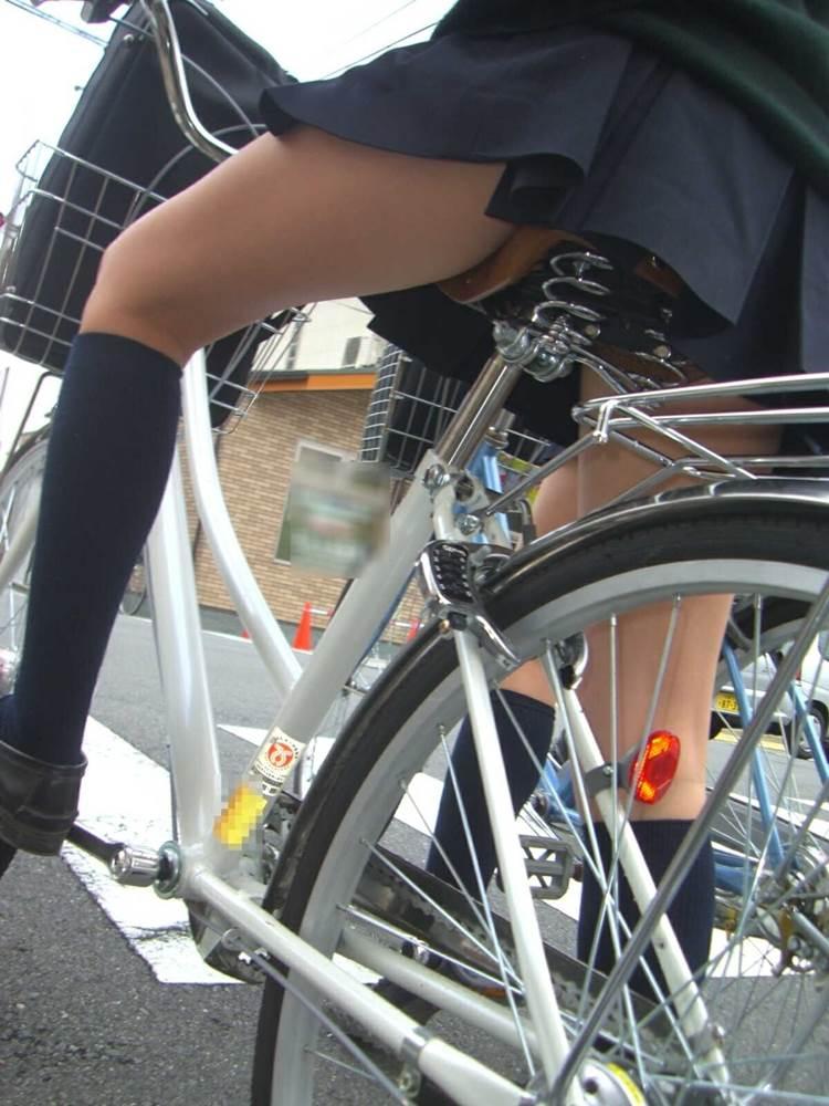 JK_自転車_ローアングルパンチラ15