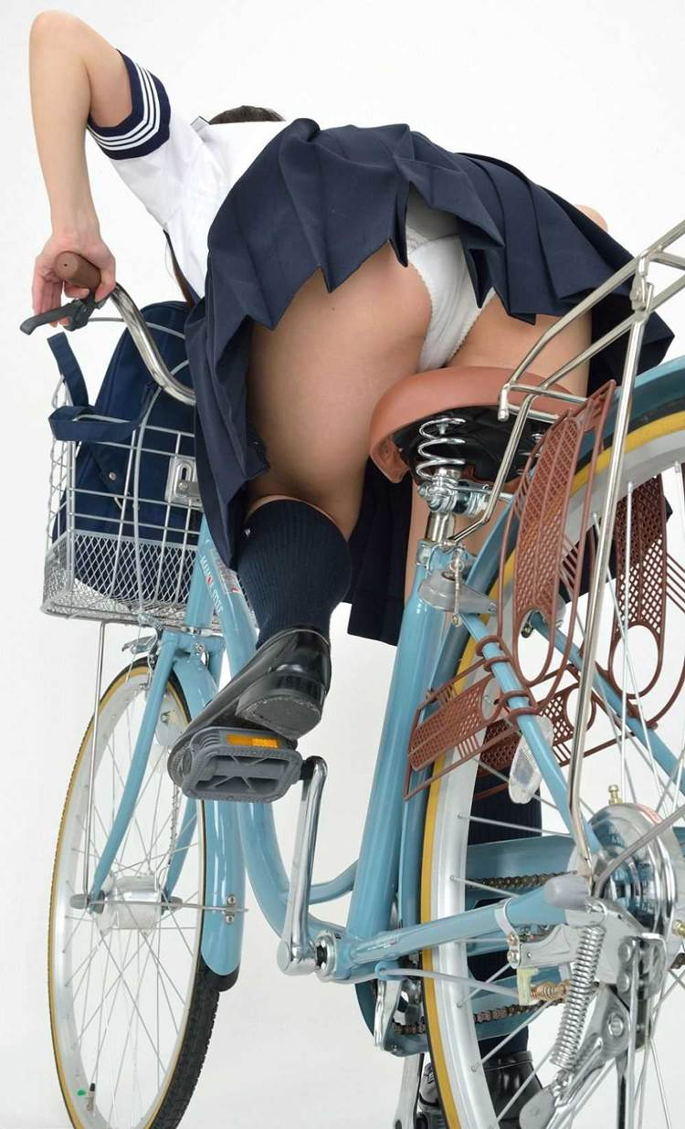 JK_自転車_ローアングルパンチラ18
