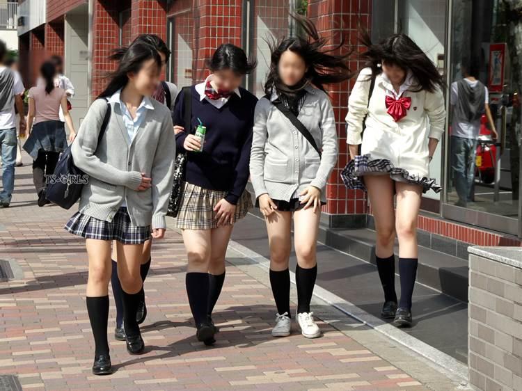 JK_風チラ_パンチラ_街撮り盗撮09