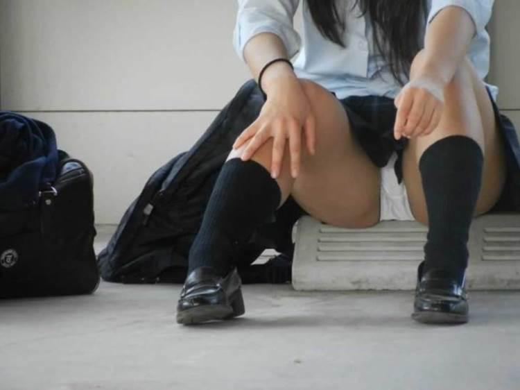 JK_パンチラ_盗撮エロ画像09