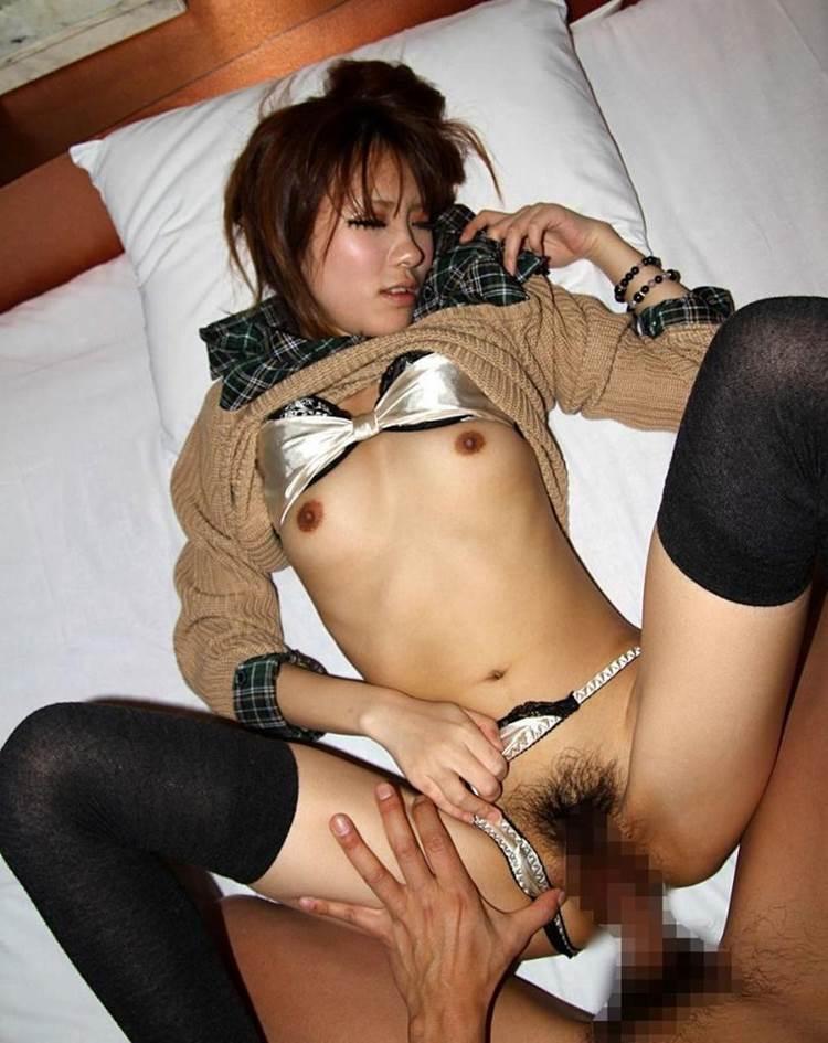 着衣セックス_正常位_エロ画像02