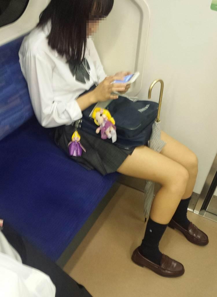 JK_美脚_電車_盗撮09