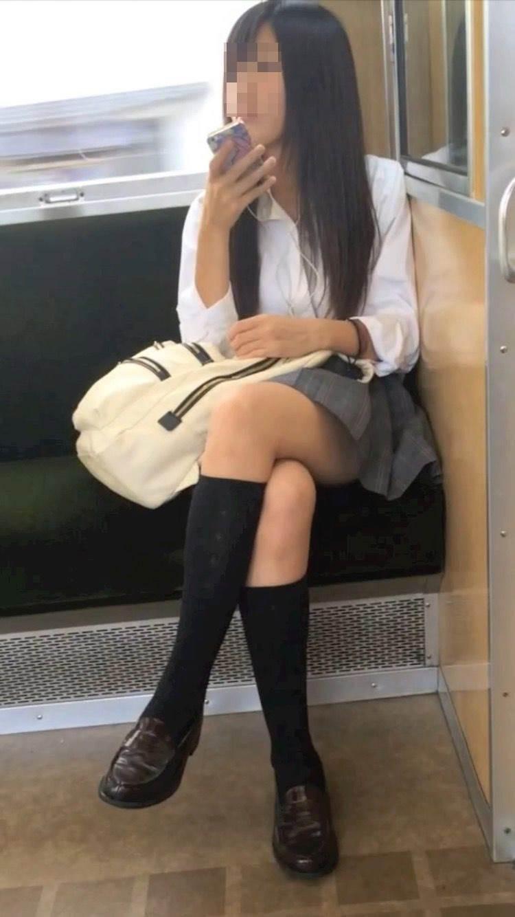 JK_美脚_電車_足組み_盗撮12