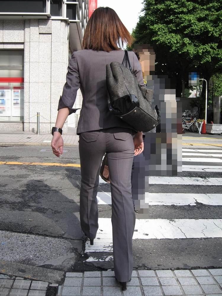 OL_グレーパンツ_小尻_街撮り_エロ画像18