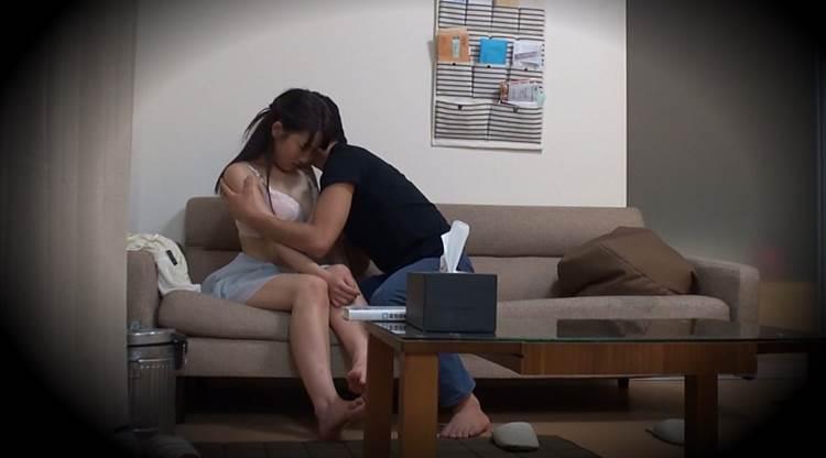 家庭内盗撮_愛撫_家族_エロ画像01