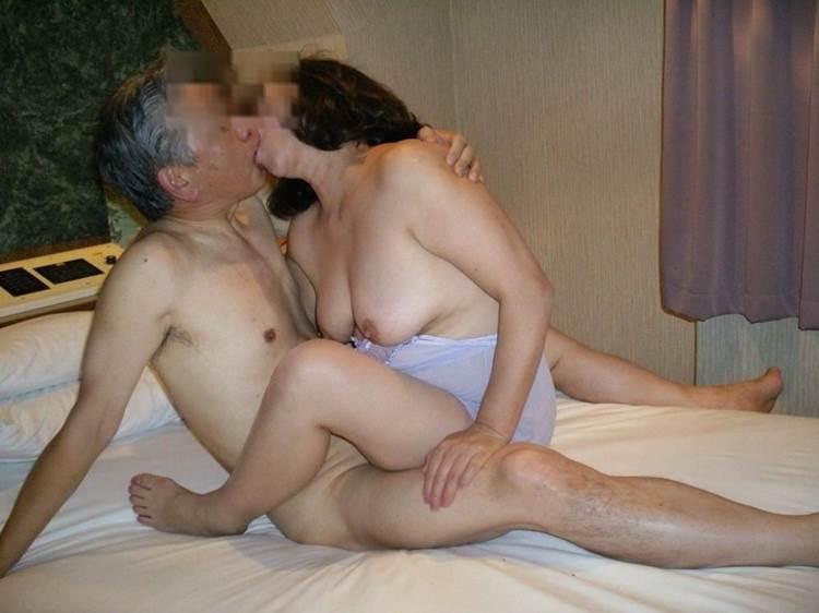 素人熟女_ハメ撮り_セックス_騎乗位エロ画像17