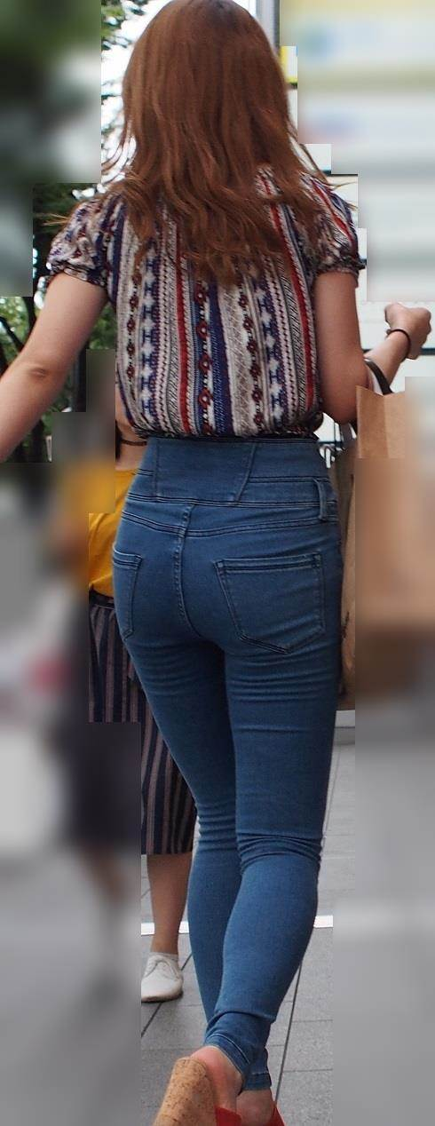 ハイウエストのスキニージーンズで脚長に見えるむっちり女子
