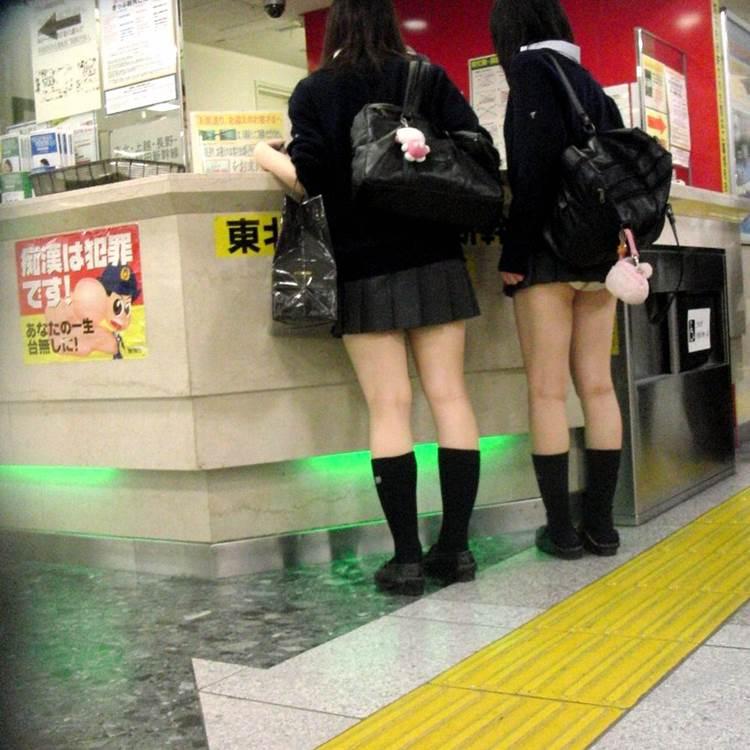 JK_パンチラ_盗撮_エロ画像10