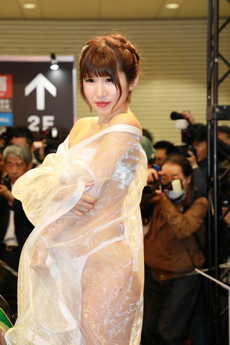 東京オートサロン2018_AIWA_透けTバック_キャンギャル_エロ画像03