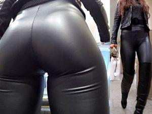 【レザーパンツ街撮り盗撮エロ画像】ピチピチに下半身フィットする革のズボンを履いた素人のエロ尻ww