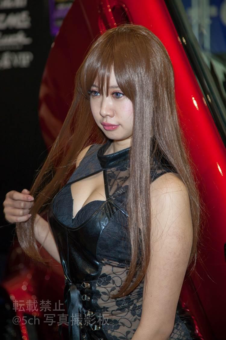 東京オートサロン2018_コンパニオン_胸の谷間_エロ画像10