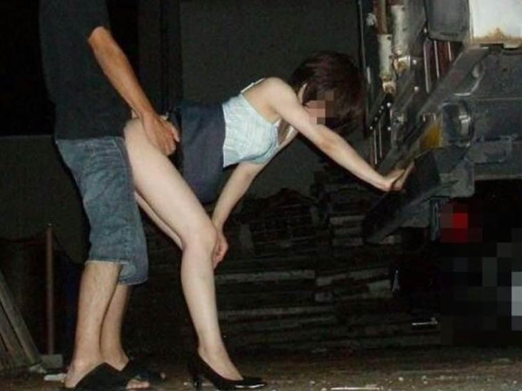 素人_青姦_野外セックス_ハメ撮り_エロ画像06