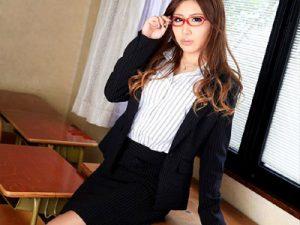 【女教師エロ画像】メガネをかけた理想の担任の先生…思春期の男子生徒が毎晩オナネタに使用ww