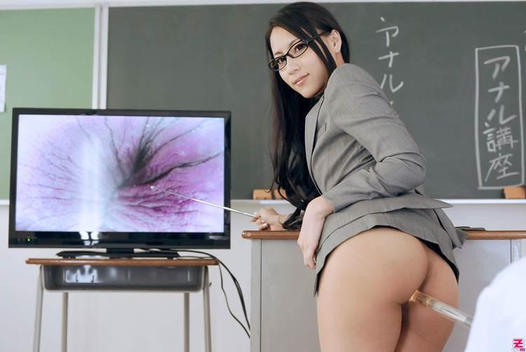 エロい女教師_メガネ_教室_エロ画像10
