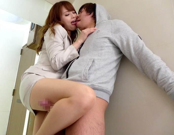 逆レイプ_女性が男性を_セックス_エロ画像01