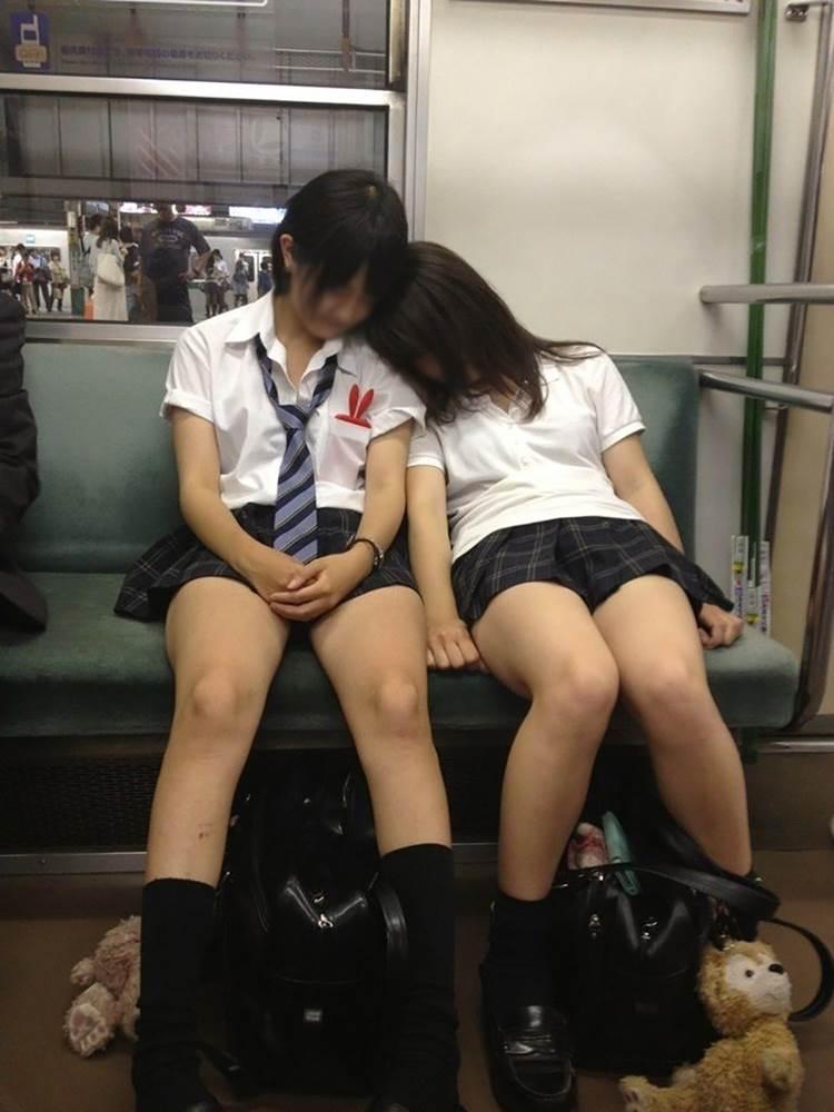 JK_居眠り_電車_盗撮_エロ画像18
