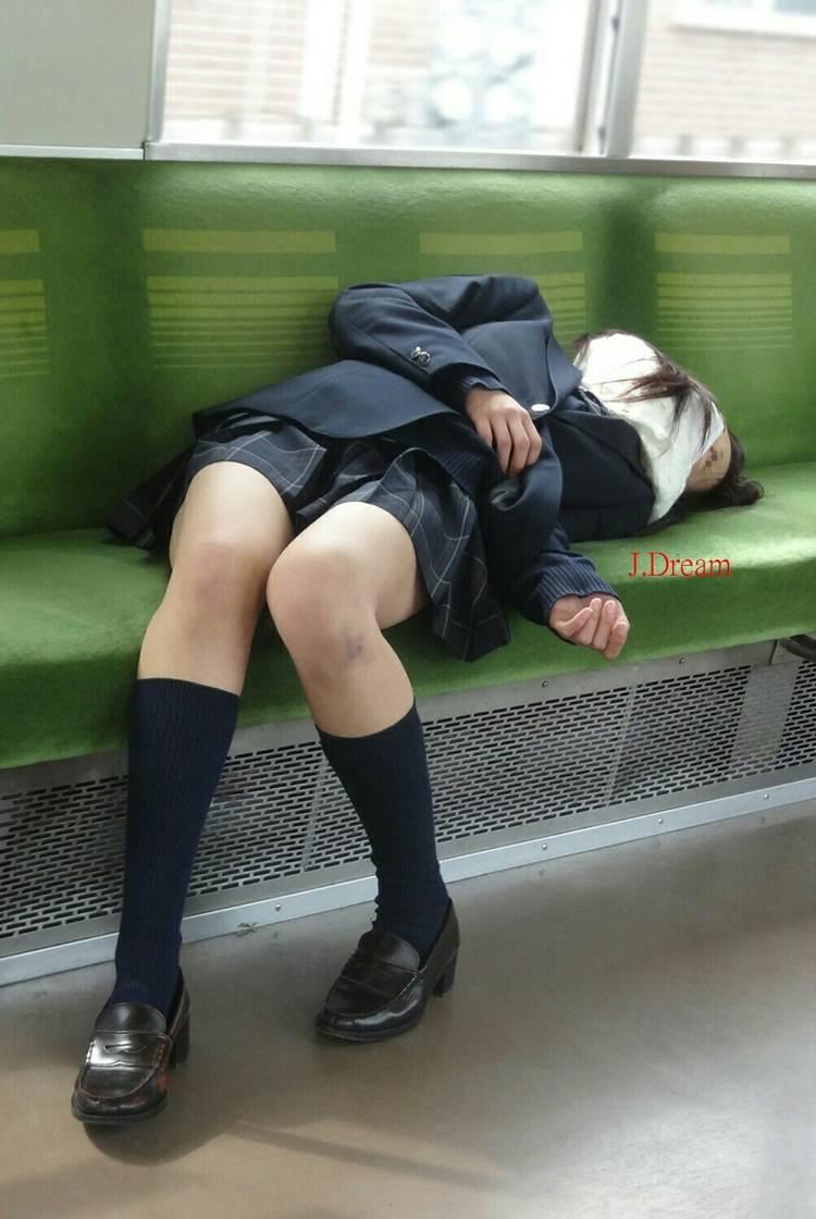 JK_居眠り_電車_盗撮_エロ画像19