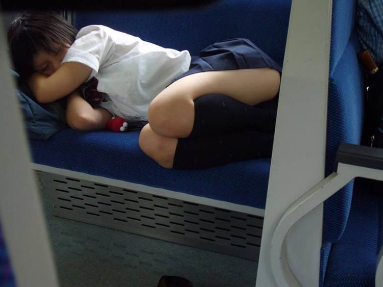 JK_居眠り_電車_盗撮_エロ画像20