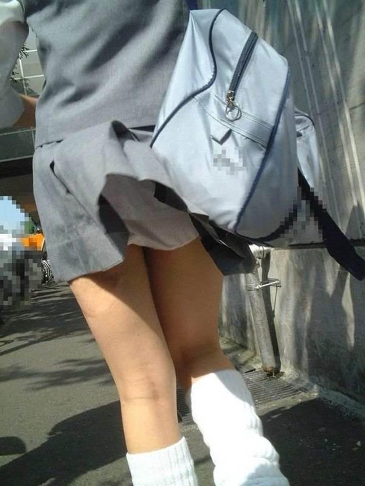 JK_風チラ_パンチラ_街撮り_盗撮_エロ画像16