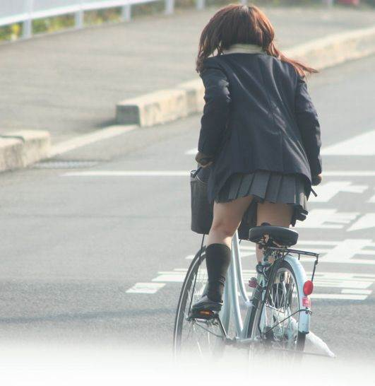 JK_自転車_立ちこぎ_盗撮_エロ画像09