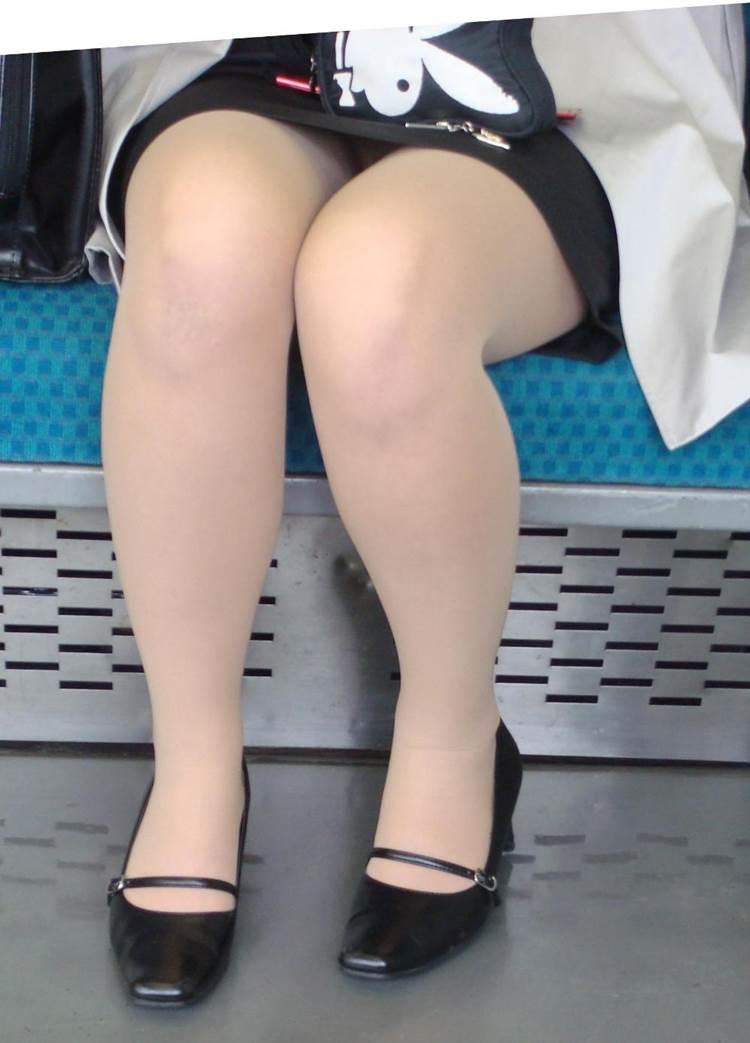 OL_パンチラ_盗撮_エロ画像02