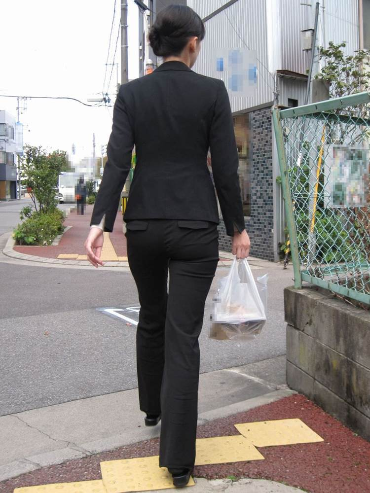 素人_OL_黒パンツ_街撮り_盗撮_エロ画像08