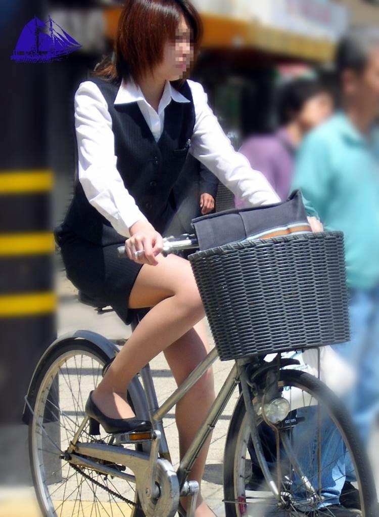 OL_タイトスカート_自転車_盗撮_エロ画像03